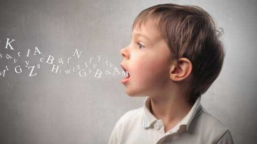 Cho con học Tiếng Anh từ bé giúp con phát triển kỹ năng nhận biết – nhận thức