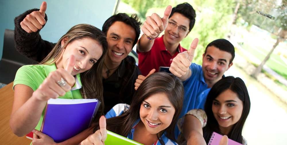 Học tiếng Anh cũng là điều kiện quan trọng để bạn có thể tiếp cận, cập nhật những nguồn tri thức từ khắp thế giới.